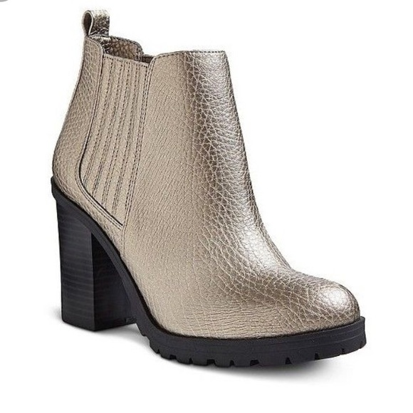 f4ba3fbbfb0 Sam & Libby Deanna Metallic Heeled Ankle Boots!!